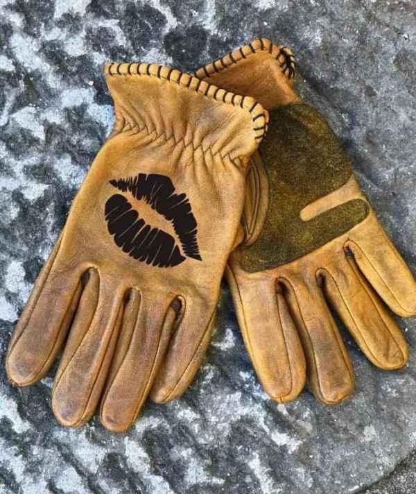 Custom Kiss Leather Gloves