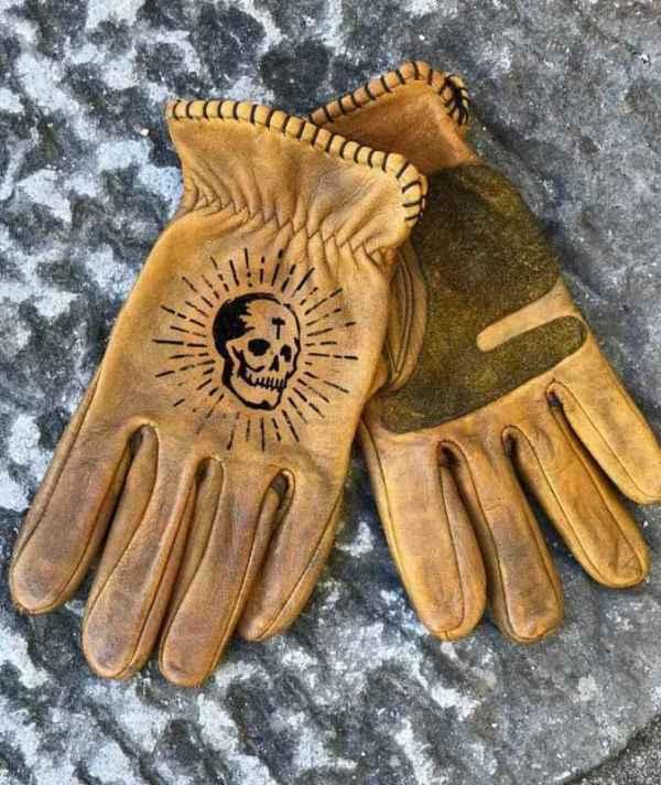 Custom OldSkull Leather Gloves